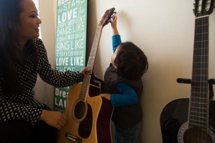 child-and-guitar